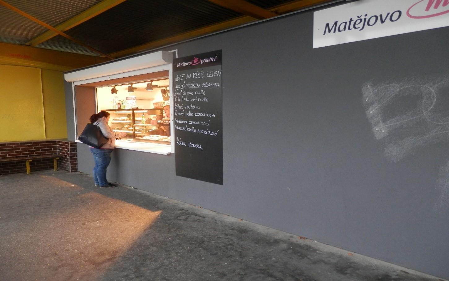Prostor sloužící podnikání č. 916 a 917 - prodejní stánek